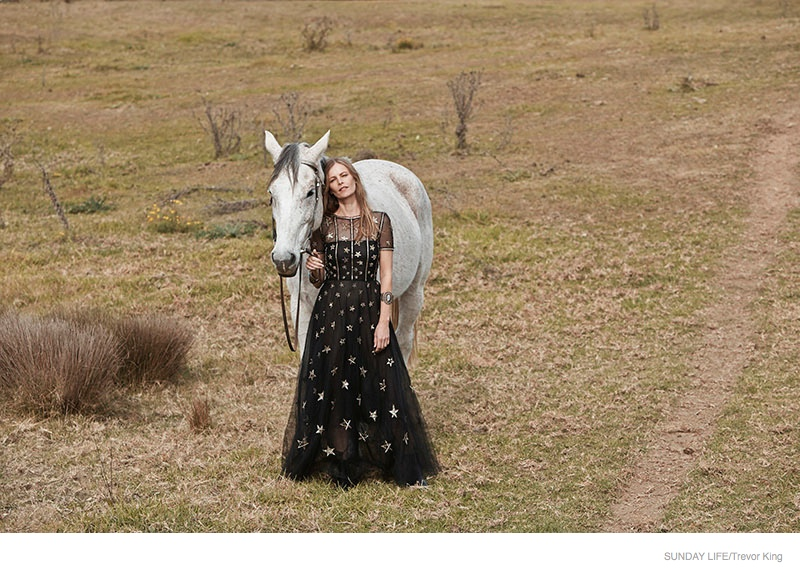 emma-balfour-horse-fashion-shoot-05