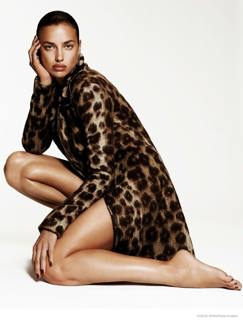 irina shayk animal print fashion01 Irina Shayk Wears Animal Print for Vogue Spain Shoot by Paola Kudacki