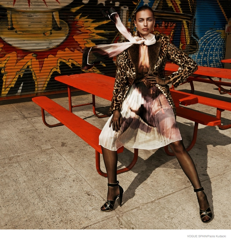 irina shayk animal print fashion03 Irina Shayk Wears Animal Print for Vogue Spain Shoot by Paola Kudacki