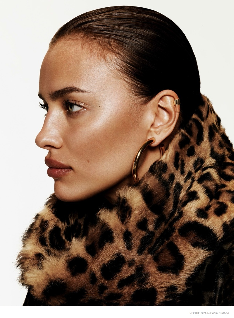 irina shayk animal print fashion04 Irina Shayk Wears Animal Print for Vogue Spain Shoot by Paola Kudacki