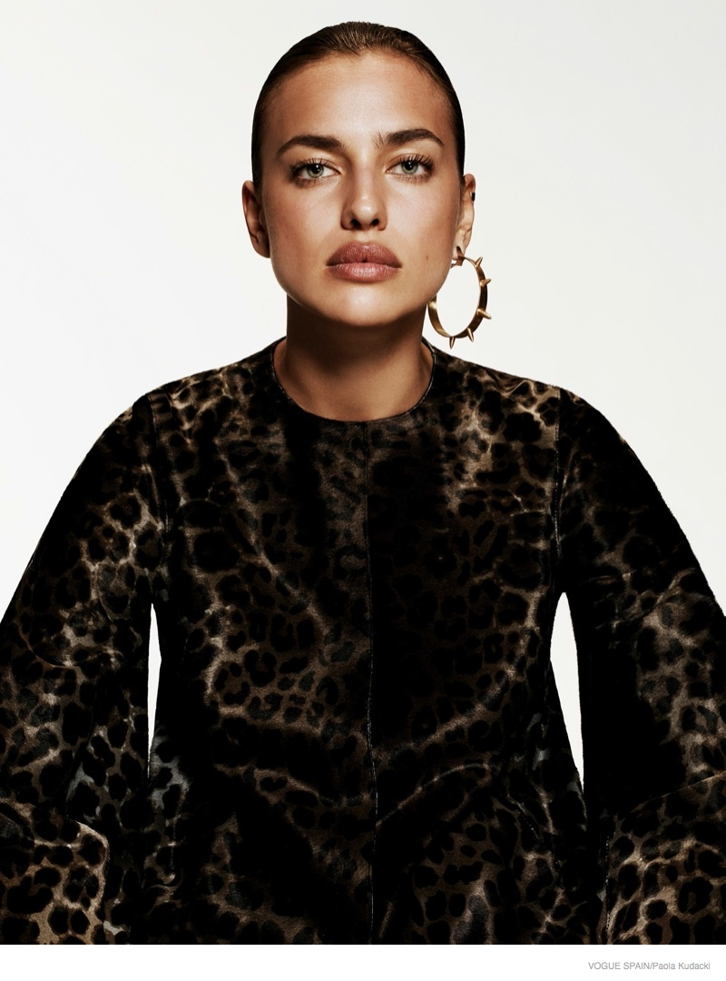 irina shayk animal print fashion06 Irina Shayk Wears Animal Print for Vogue Spain Shoot by Paola Kudacki