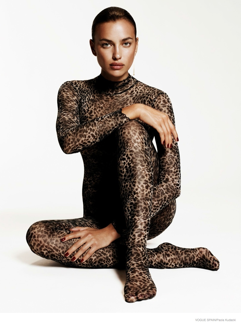 irina shayk animal print fashion11 Irina Shayk Wears Animal Print for Vogue Spain Shoot by Paola Kudacki