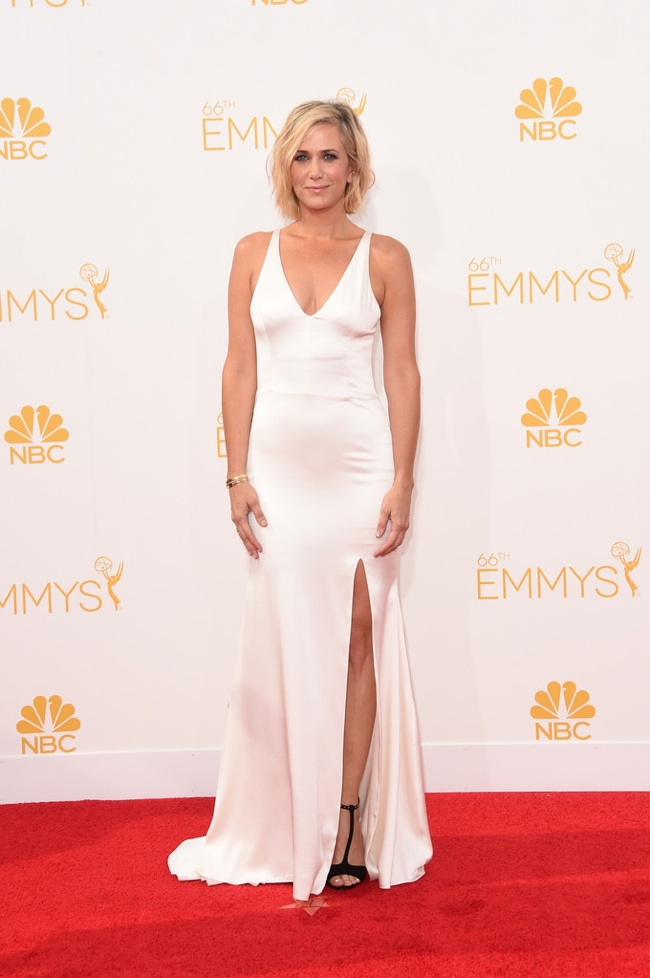 Kristen Wiig wore a white Vera Wang gown