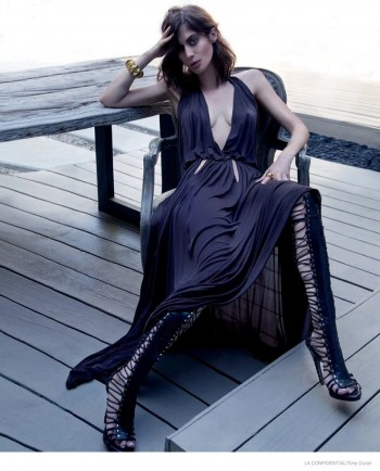 """""""Masters of Sex"""" Star Lizzy Caplan Gets Glam for LA Confidential"""