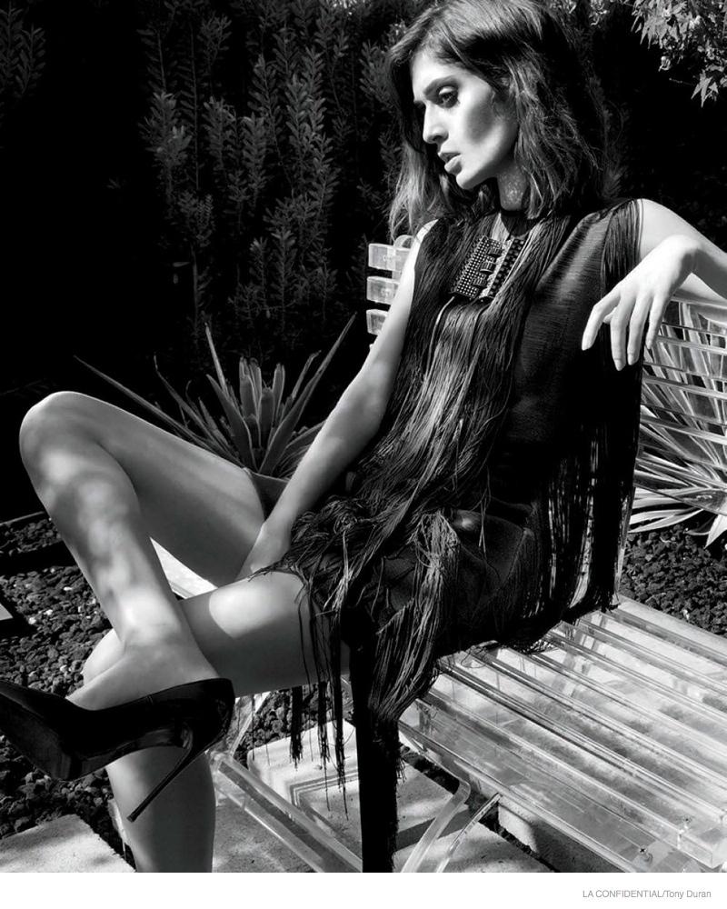 lizzy-caplan-photoshoot-2014-03
