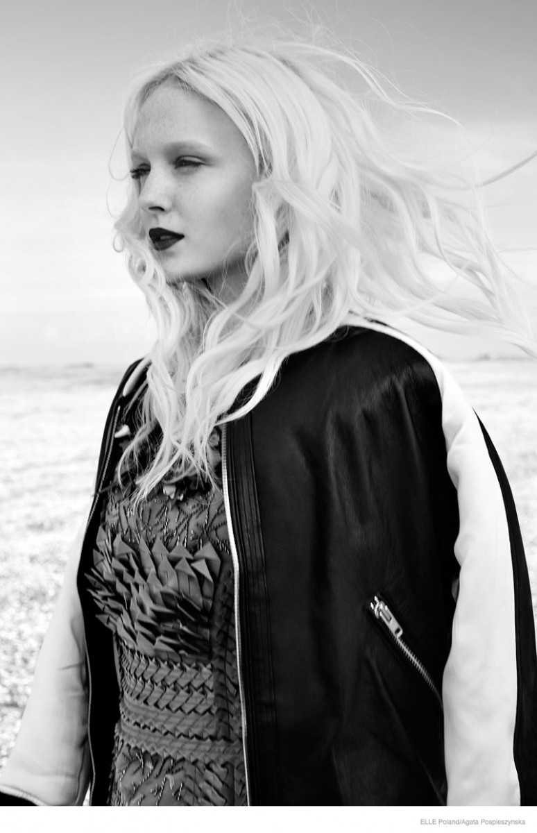 maja salamon outdoors shoot 2014 03 774x1200 Maja Salamon Poses Outdoors for ELLE Poland by Agata Pospieszynska