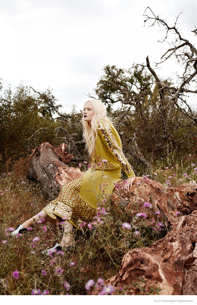 maja salamon outdoors shoot 2014 04 774x1200 Maja Salamon Poses Outdoors for ELLE Poland by Agata Pospieszynska