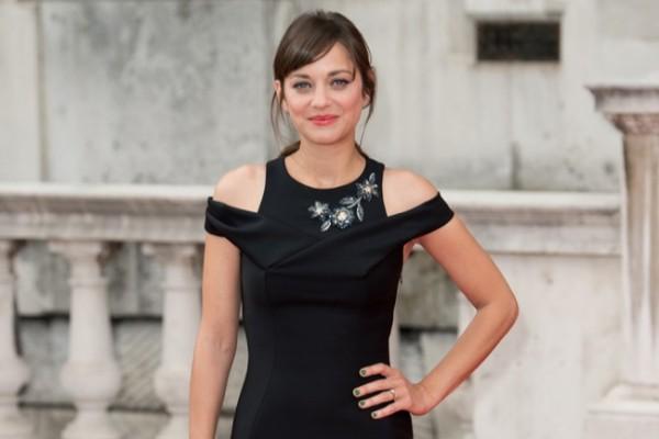 marion-cotillard-dior-black-dress01