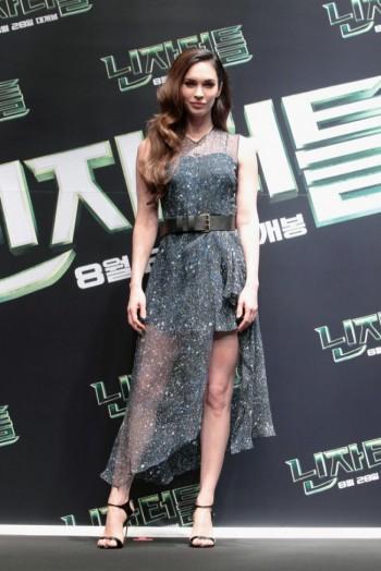 "Megan Fox Dons Sheer Jonathan Saunders Dress at ""Teenage Mutant Ninja Turtles"" Press Conference"