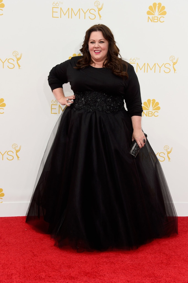 Melissa McCarthy wore a black custom Marchesa gown