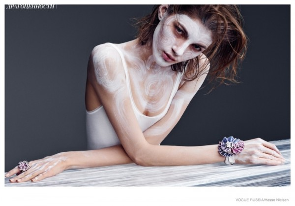 painted-beauty-hasse-nielsen-fashion03