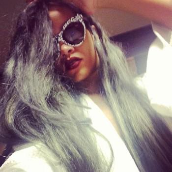Rihanna Thinks Penelope Cruz is Sexy, Reveals Her Favorite Makeup Product