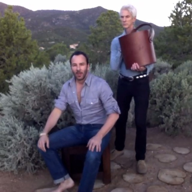 tom ford ice bucket challenge video Tom Ford Did the Ice Bucket Challenge, See Who He Nominated!