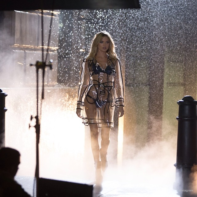 victorias secret holiday behind the scenes07 Wings, Tulle, Sparkle! Victoria's Secret Holiday 2014 Behind the Scenes