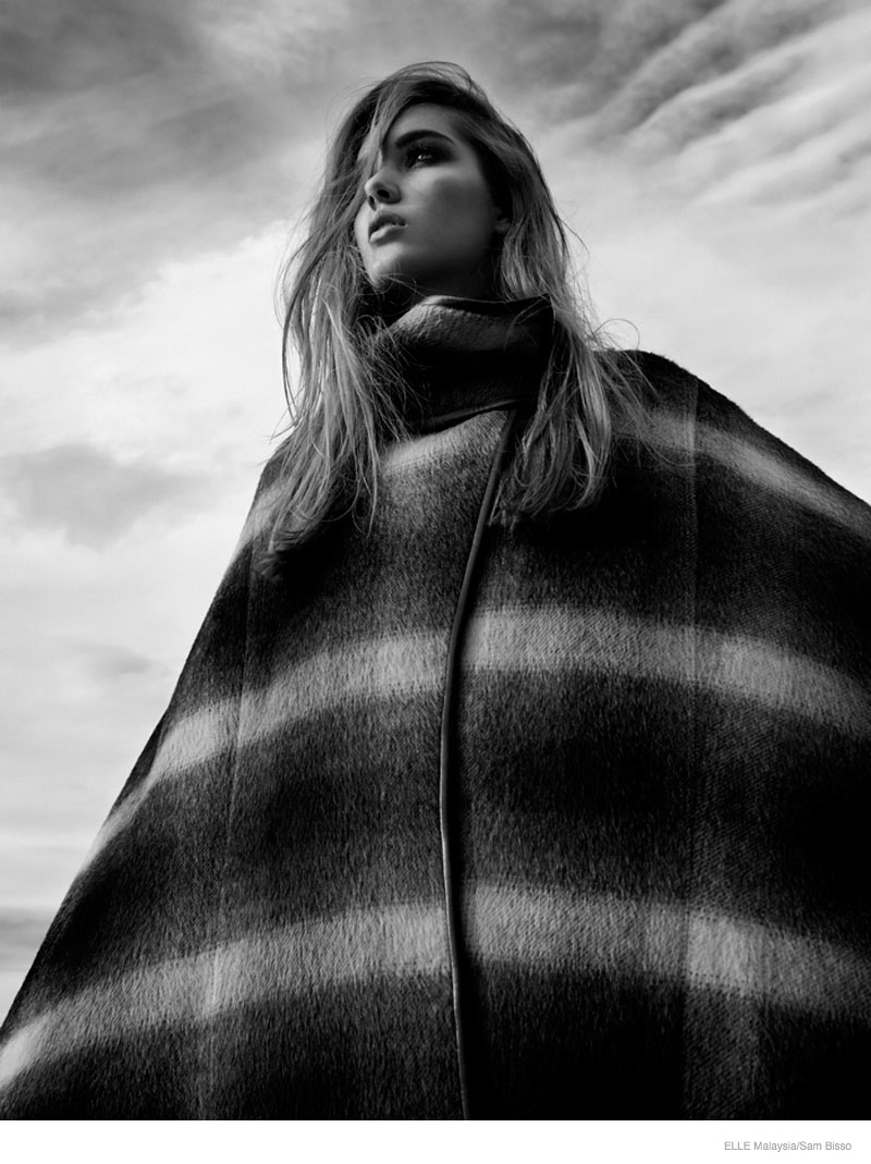 beach fall outerwear sam bisso03 Adele McKenn Wears Fall Outerwear for Elle Malaysia by Sam Bisso