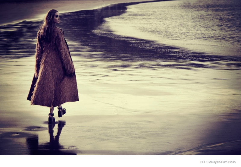 beach fall outerwear sam bisso05 Adele McKenn Wears Fall Outerwear for Elle Malaysia by Sam Bisso