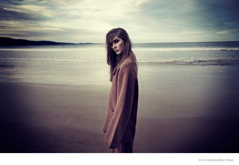 beach fall outerwear sam bisso06 Adele McKenn Wears Fall Outerwear for Elle Malaysia by Sam Bisso