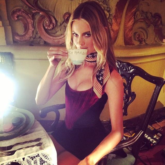 Behati Prinsloo drinks some tea