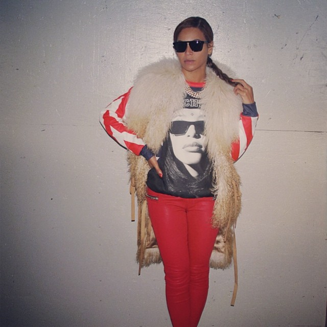 Beyonce wears Aaliyah shirt and coat
