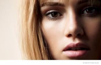 "Suki Waterhouse Fronts Burberry ""Fresh Glow"" Makeup Campaign"