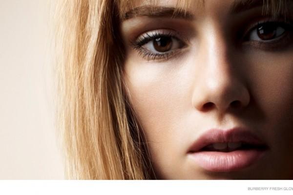burberry-fresh-glow-2014-makeup