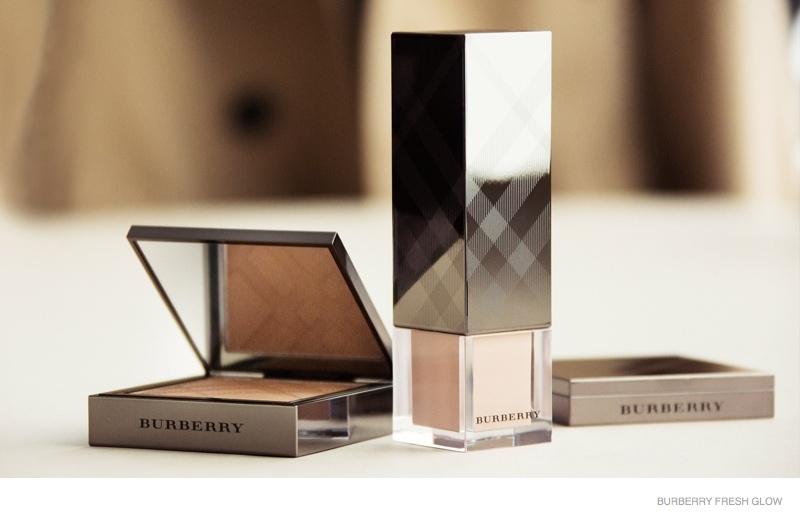 Burberry Fresh Glow Compact & Foundation