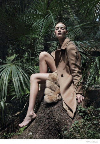 Coat Story: Tegan by Nikolay Biryukov for SnC Magazine