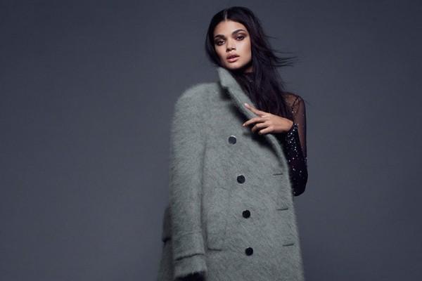 daniela-braga-sexy-coats02