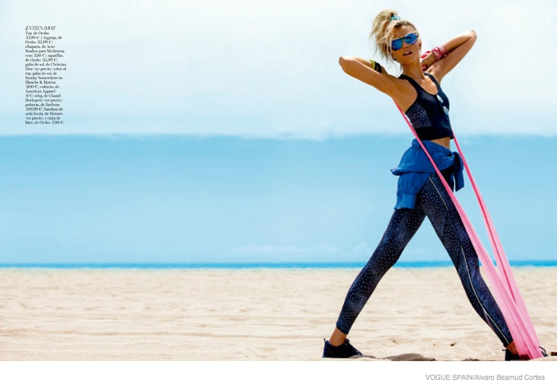 fitness fashion cato van ee08 Cato Van Ee Gets Fit at the Beach for Alvaro Beamud Cortes Shoot in Vogue Spain