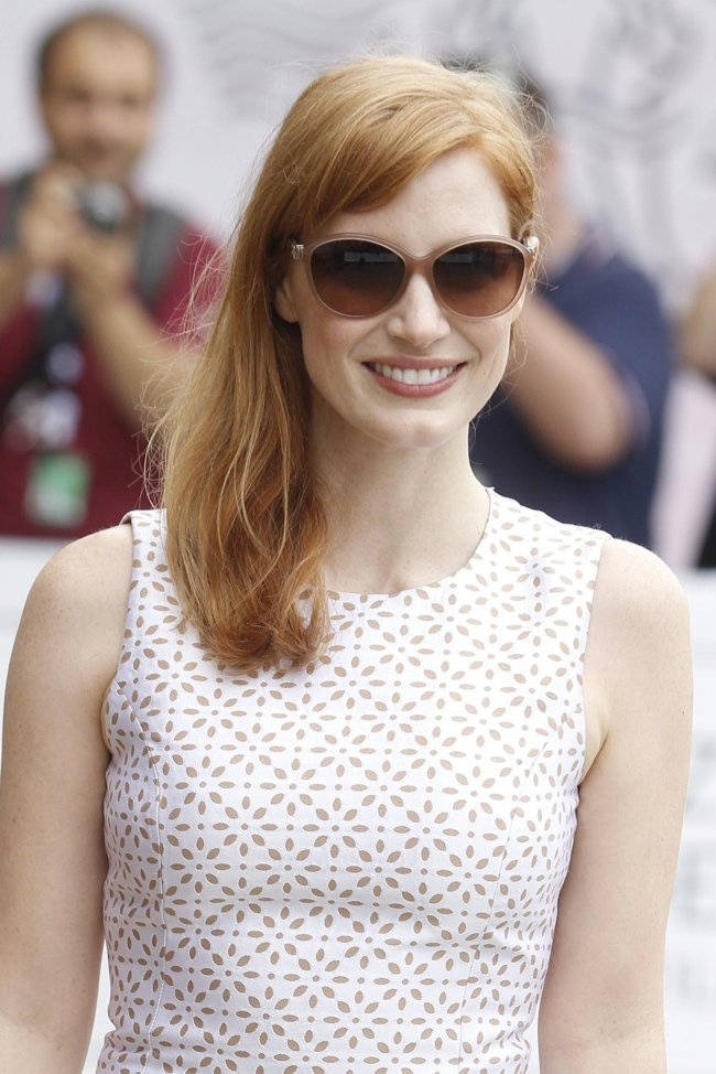 jessica-chastain-white-michael-kors-dress02