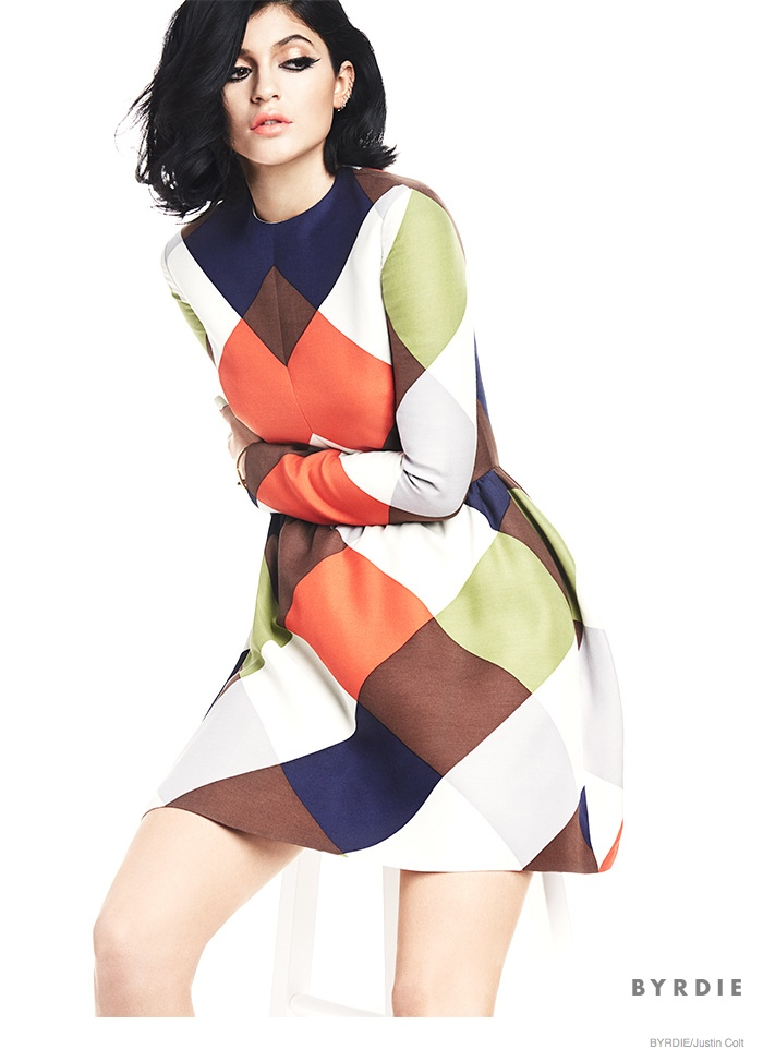 kylie-jenner-sixties-beauty-makeup03