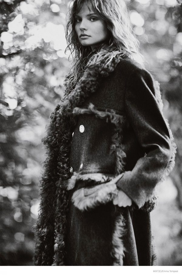 magdalena-frackowiak-fall-outerwear-fashion-05