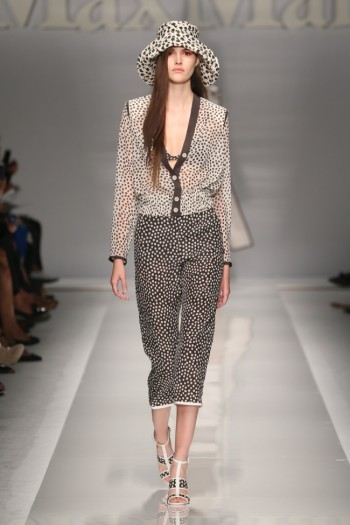 Max Mara's Leisurely, 70s Inspired Spring 2015