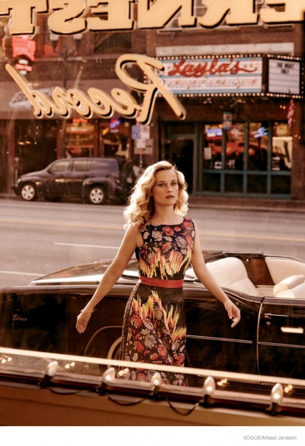 reese-witherspoon-vogue-october-2014-shoot04