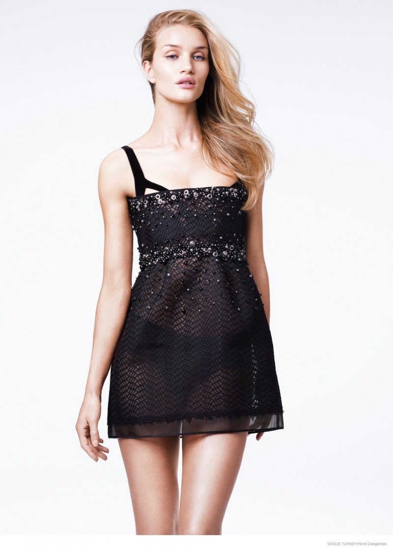 rosie-huntington-whiteley-lace-looks09