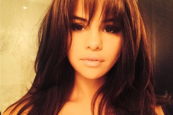 Selena Gomez shares new bangs hairstyle