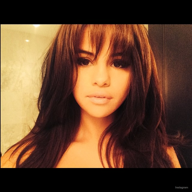 Tremendous Selena Gomez Debuts Bangs Hairstyle Fashion Gone Rogue Schematic Wiring Diagrams Amerangerunnerswayorg