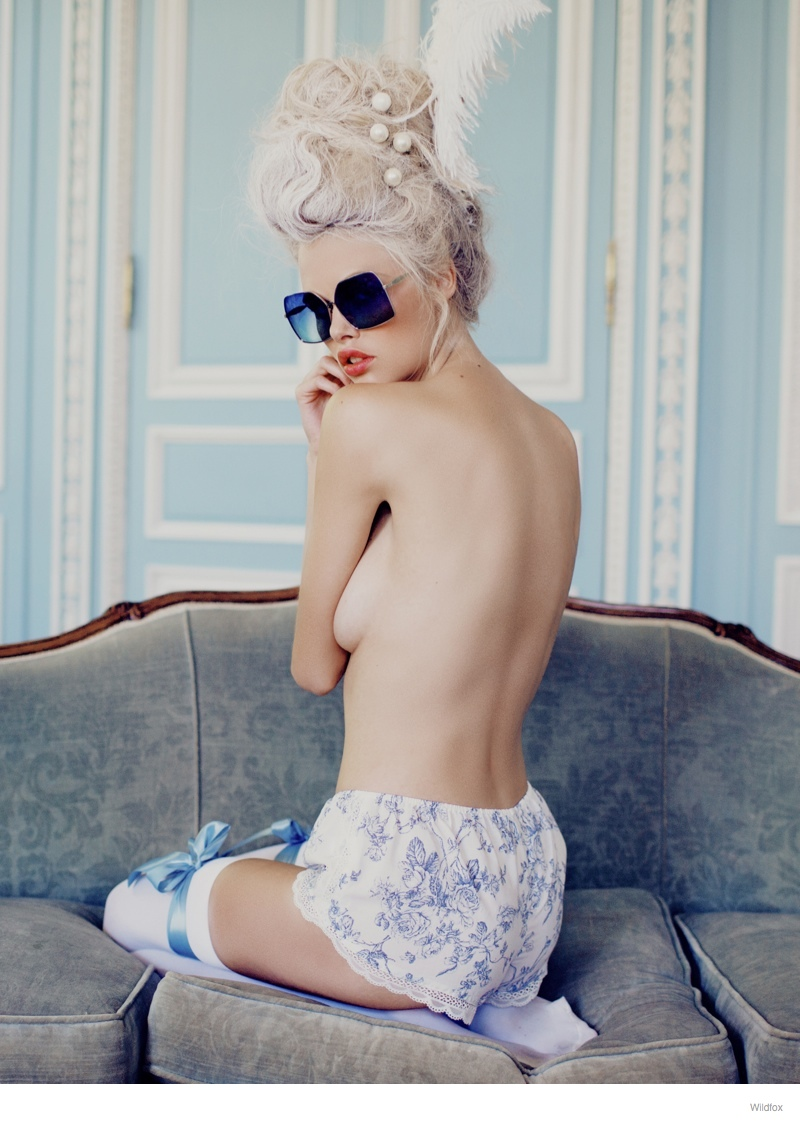 wildfox marie antoinette glasses fashion 09 Wildfox Launches Marie Antoinette Inspired Sunglasses Lookbook