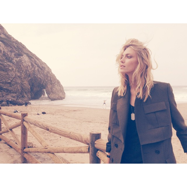 Anja Rubik knows how to rock  a jacket
