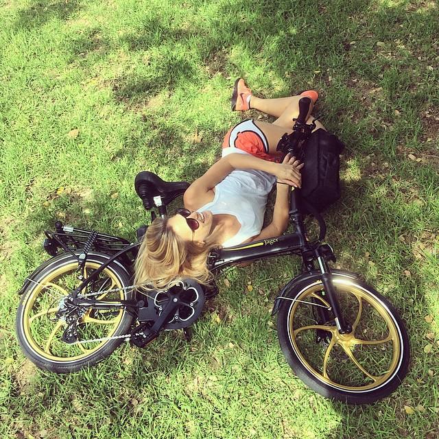 Bar Refaeli has a bike