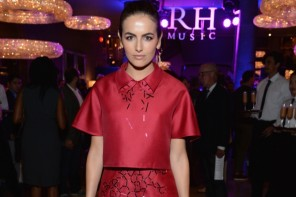 Camilla Belle Wears Pink Carolina Herrera Dress at RH The Gallery Opening