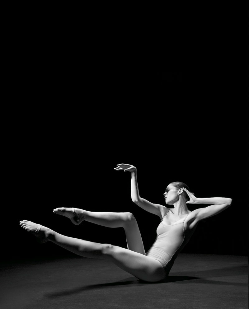 "Image: Coco Rocha in ""Study of Pose"" by Steven Sebring"
