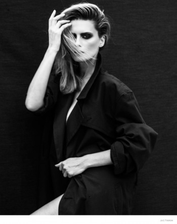 Elena Melnik in New Photos by Jurij Treskow