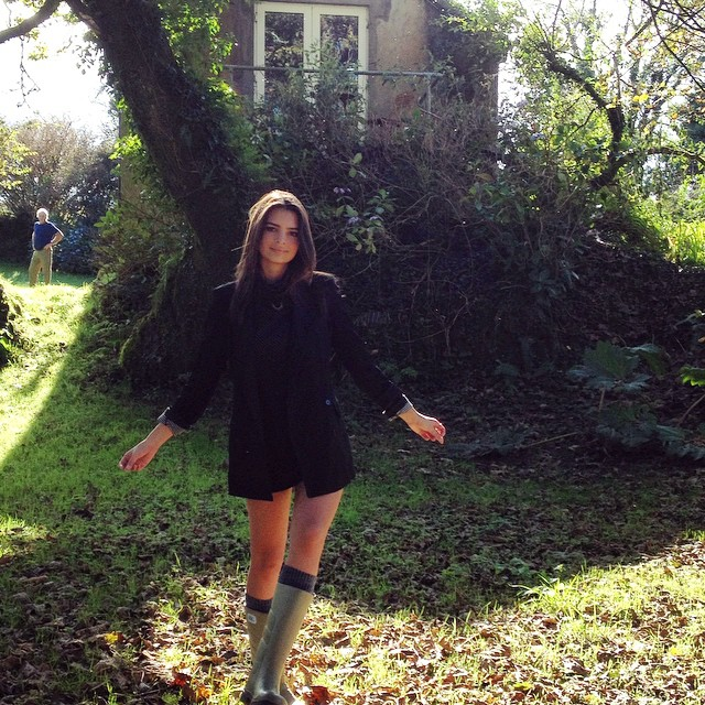 Emily Ratajkowski takes a lovely image in the outdoors