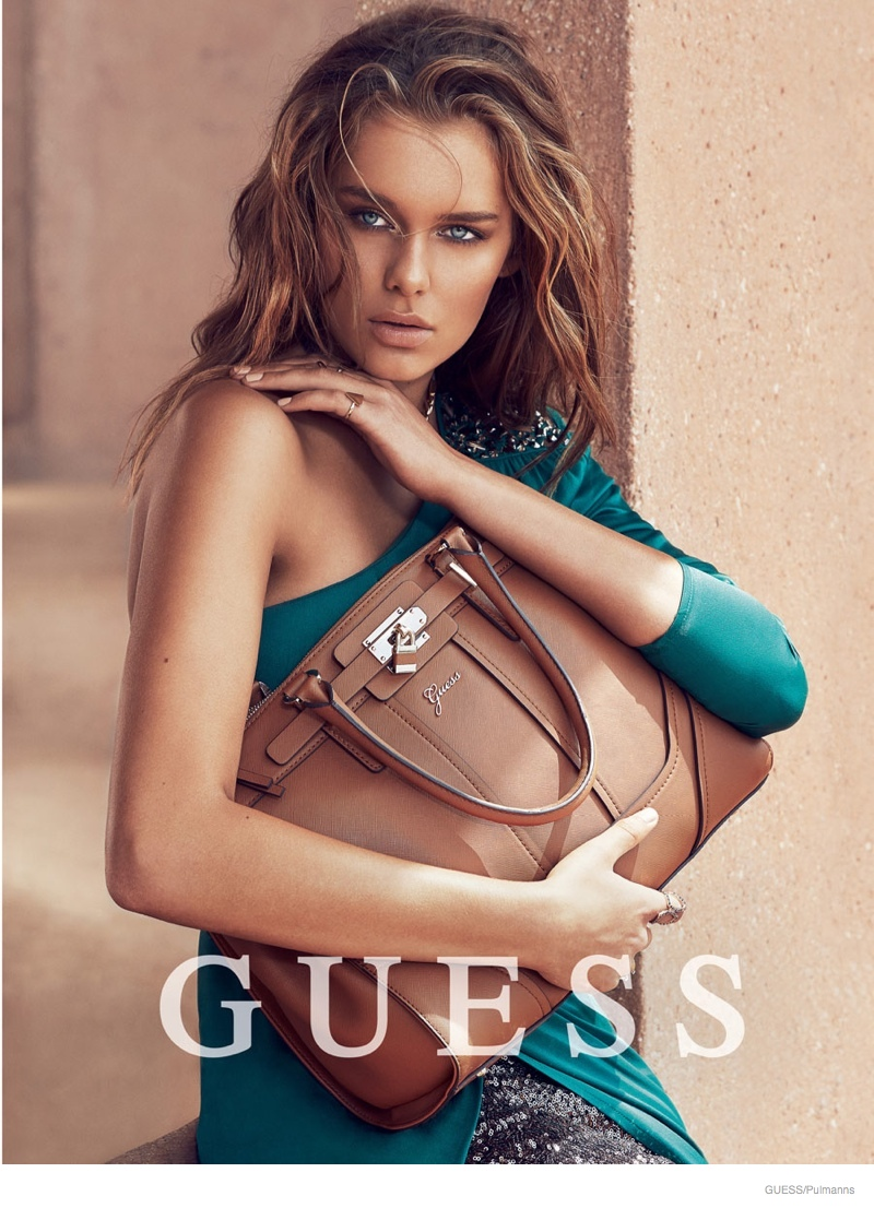 guess-accessories-holiday-2014-ad-campaign04