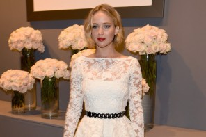 Jennifer Lawrence Wears Oscar de la Renta Lace at Elle's Women in Hollywood Event