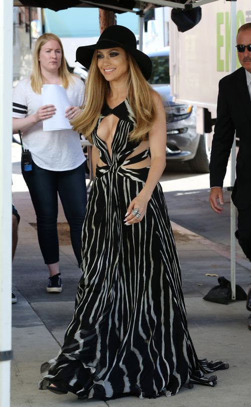 Jennifer Lopez makes an outfit change for American Idol photoshoot in Los Angeles