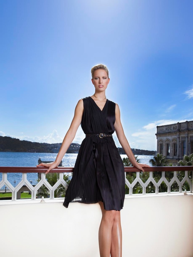 Style Watch: Karolina Kurkova Wears Salvatore Ferragamo Dress at Fragrance Launch in Turkey