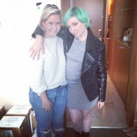 Lena Dunham Dyes Her Hair Green