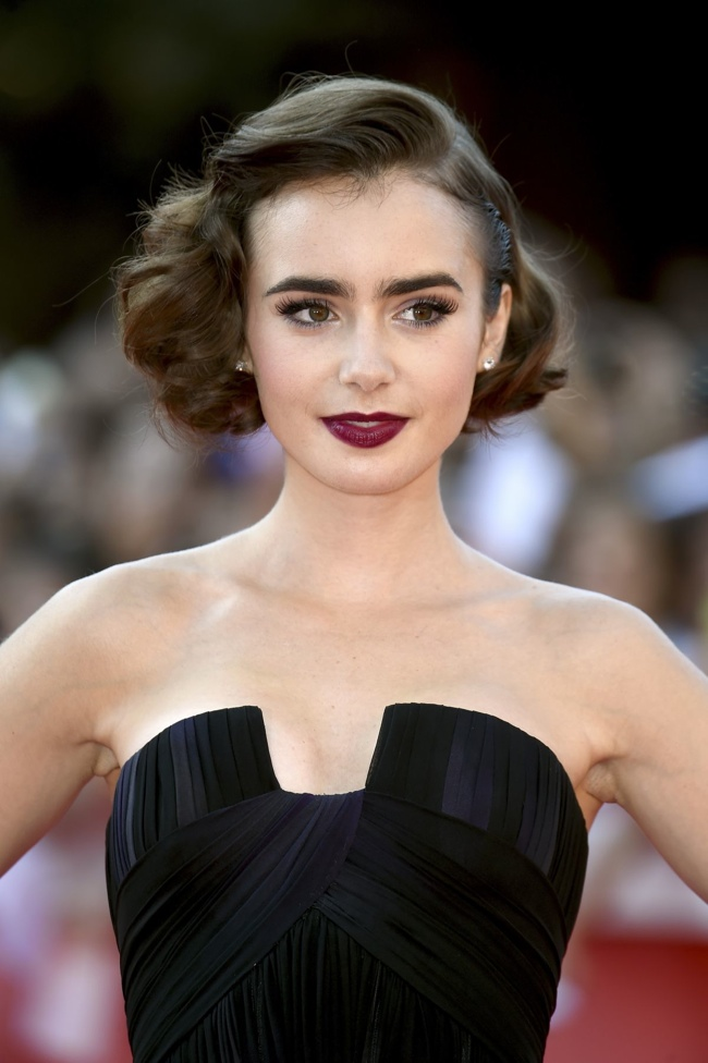 lily-collins-elie-saab-dress02